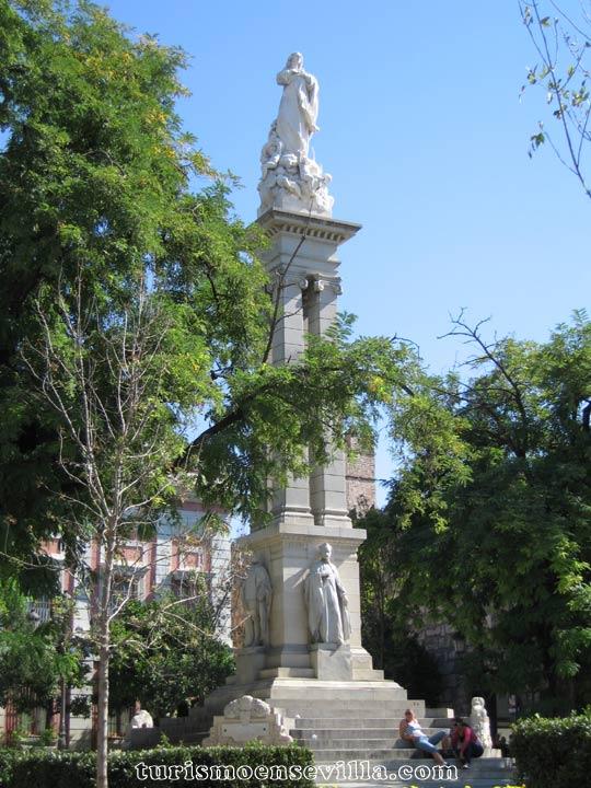 La Inmaculada Concepción en la Plaza del Triunfo