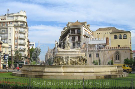 Puerta de Jerez en el centro de Sevilla