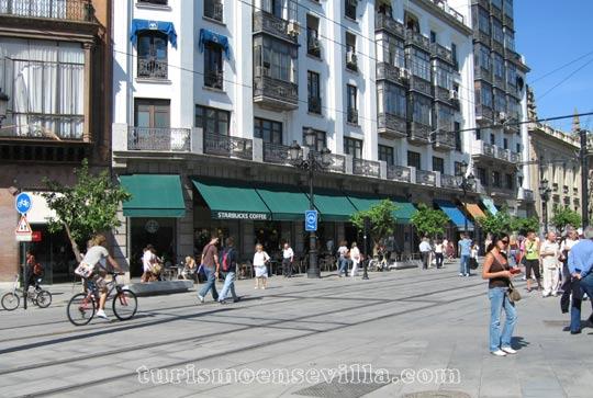 Cafetería Starbucks en la Avenida de la Constitución