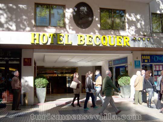 Hotel Becquer situado muy cerca del centro de Sevilla