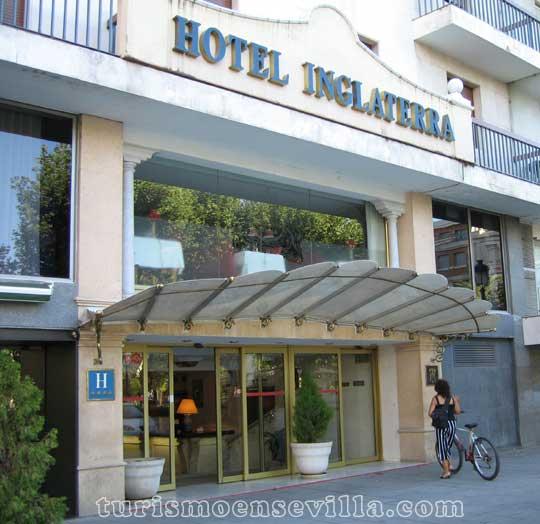 Hotel Inglaterra situado en la Plaza Nueva de Sevilla